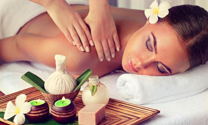 Aromaöl-Massagen.